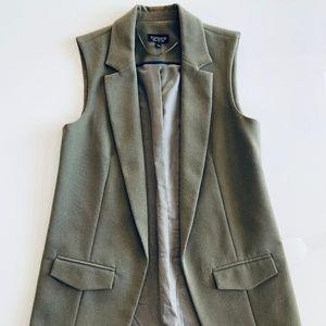 NWOT New Topshop Olive Green Vest Size 4